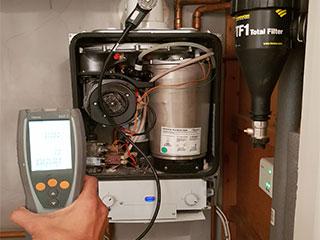 Plumber in Reading Co Combi boiler Servicing local plumbers